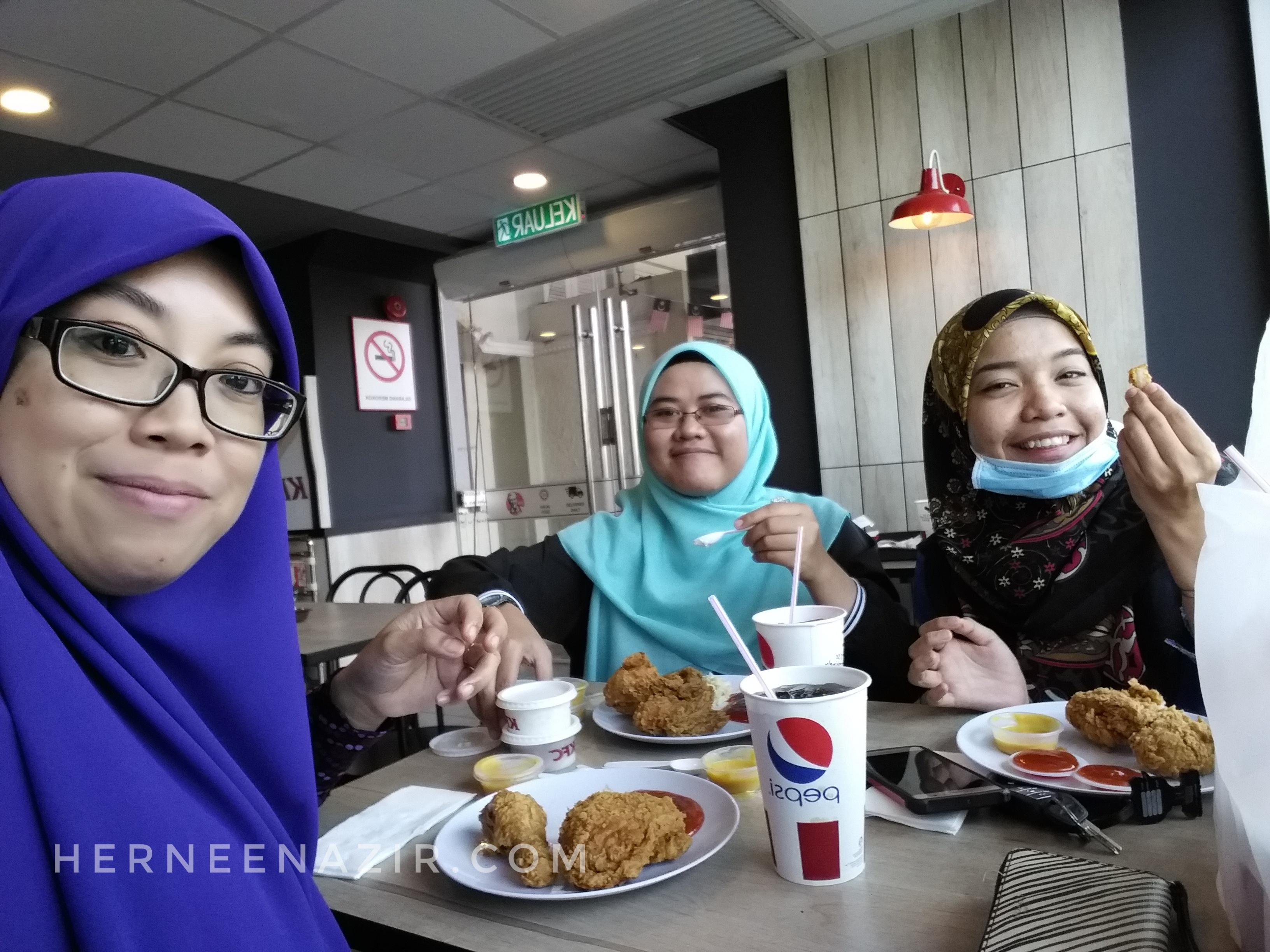 Tuesday's Lunch Bersama Rakan Sebaya