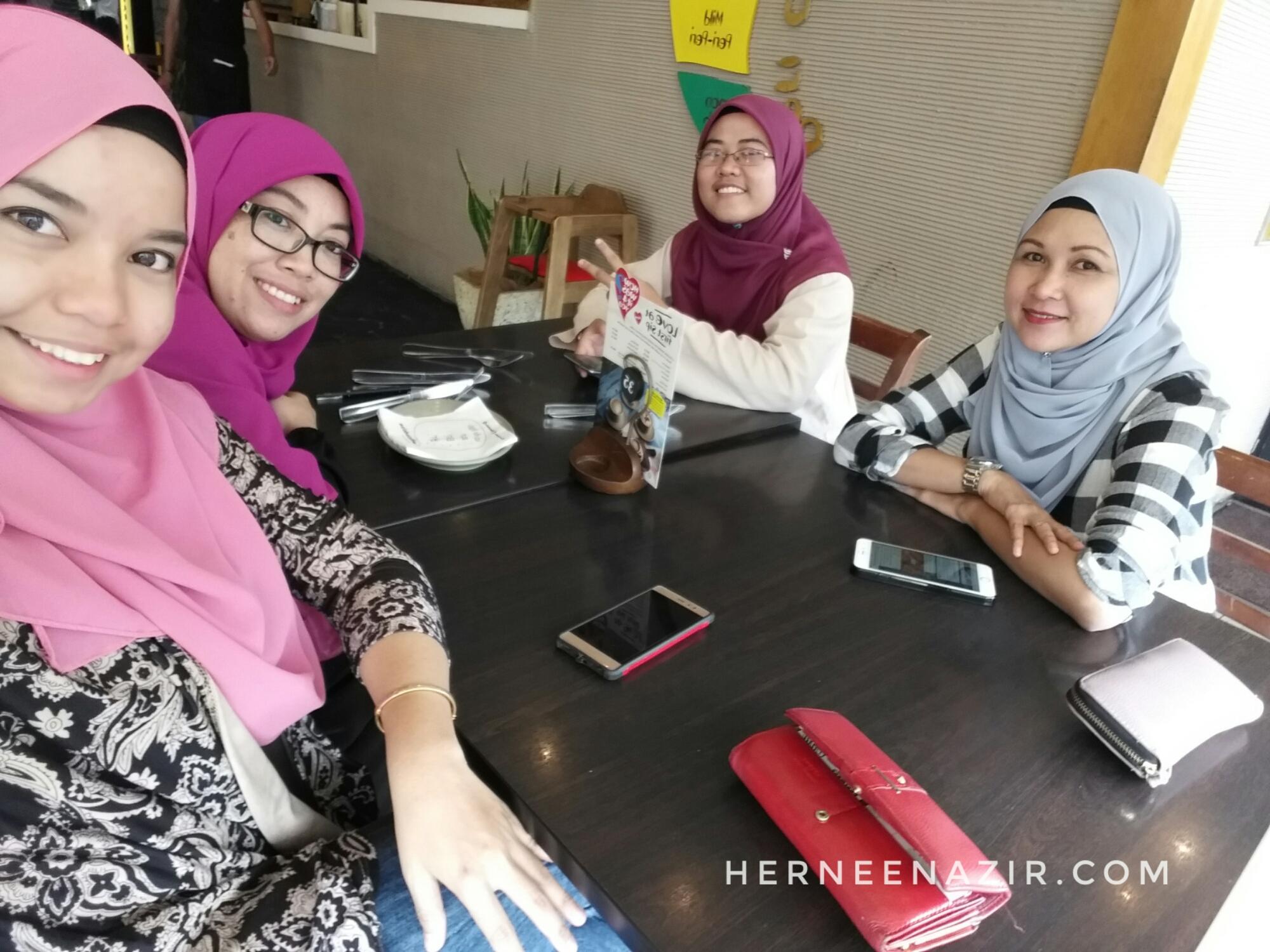 Friday's Lunch at Nando's AEON Bukit Indah
