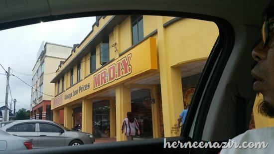Membeli-belah di Mr.DIY Senggarang