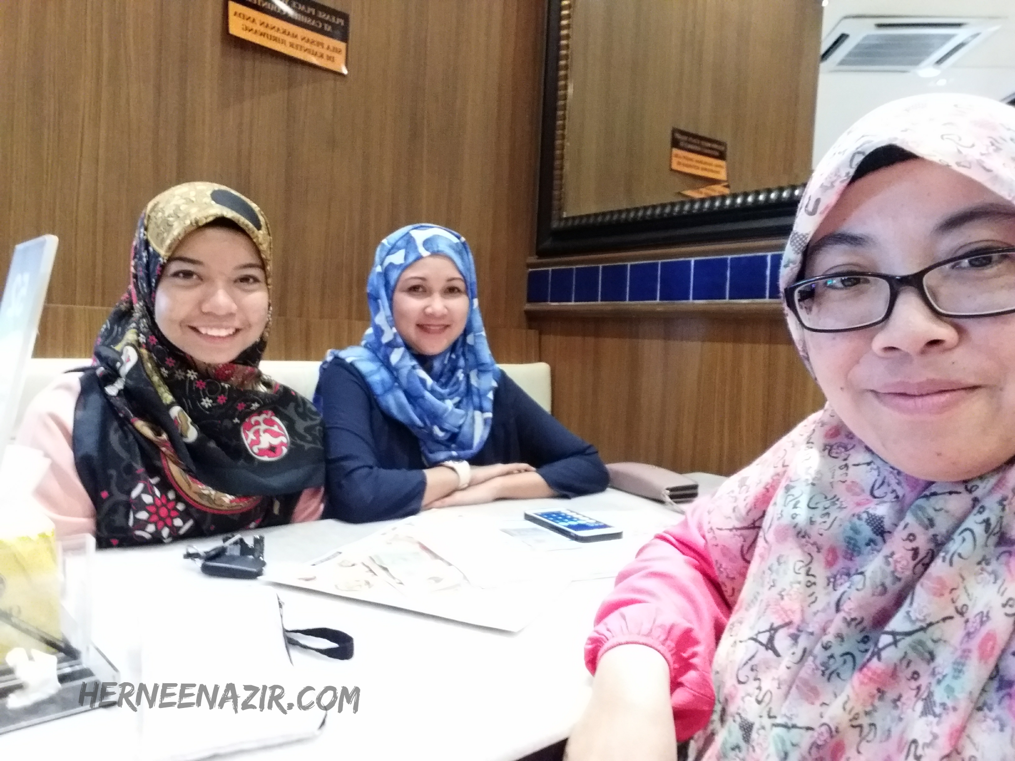 Friday's Lunch – Old Town White Coffee Mall of Medini