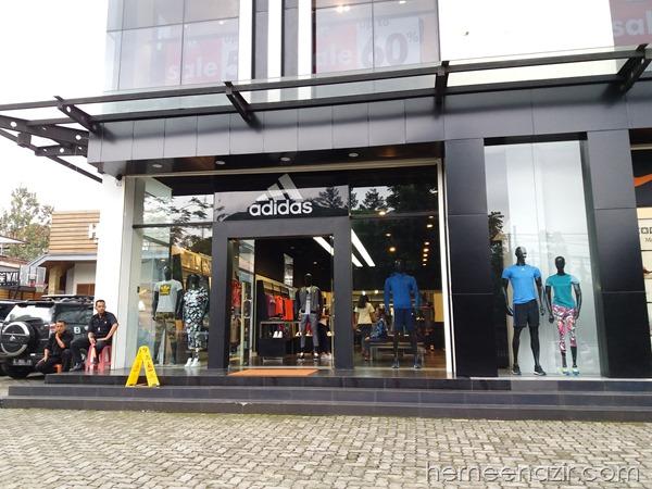 Travelog Bandung | Adidas Outlet Store Bandung