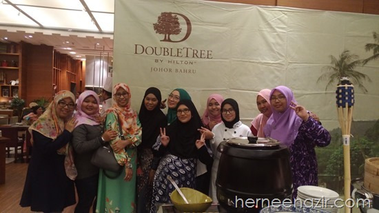 Team JDT Blogger at Ramadhan Media Preview Makan Kitchen DoubleTree by Hilton