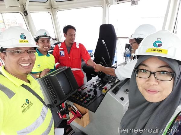 Towage Team Beraya di Tug Boat & Pilot Boat