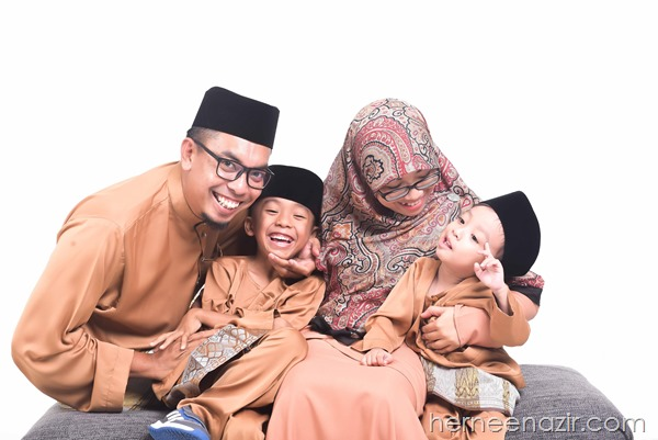 Whitestudio Photoshoot Raya Murah di The Empire Studio Johor Bahru