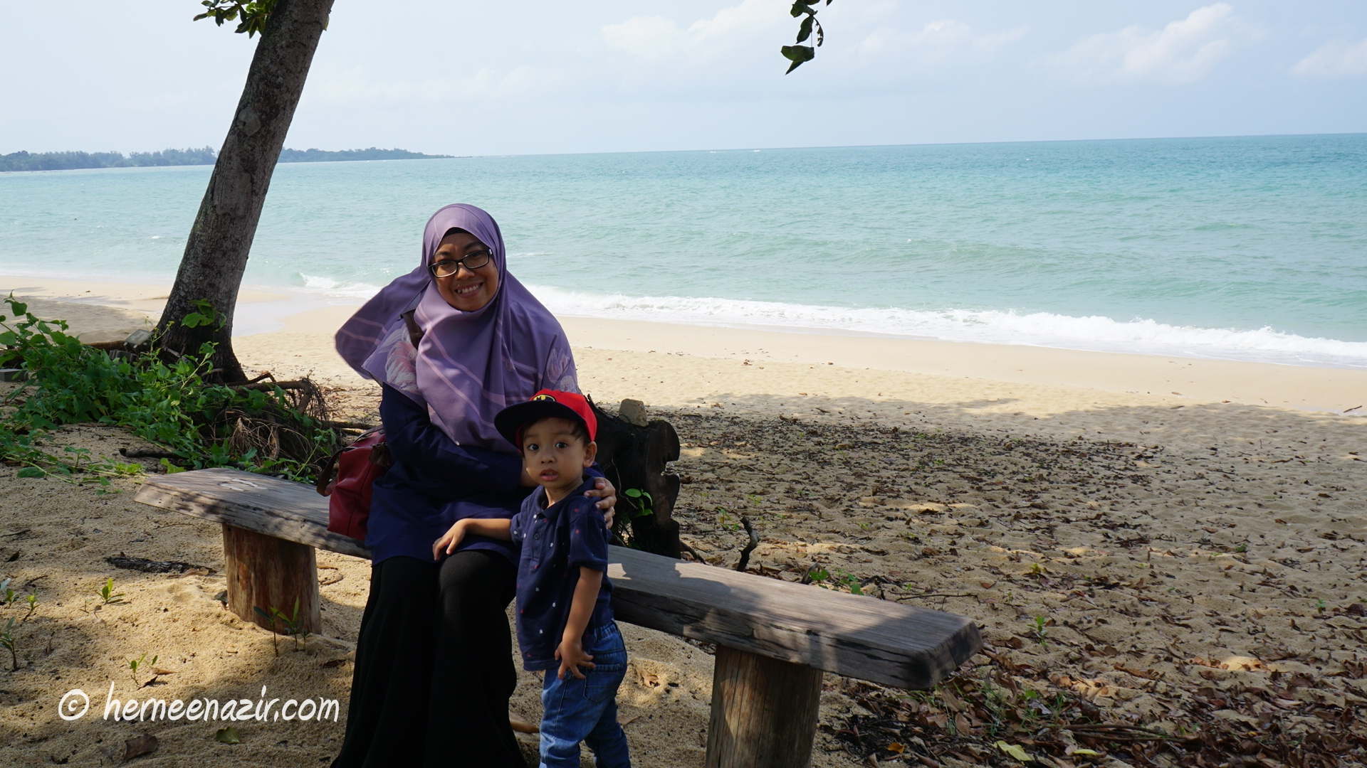 Ambil Angin di Pantai Tunamaya Beach & Spa Resort, Desaru Coast