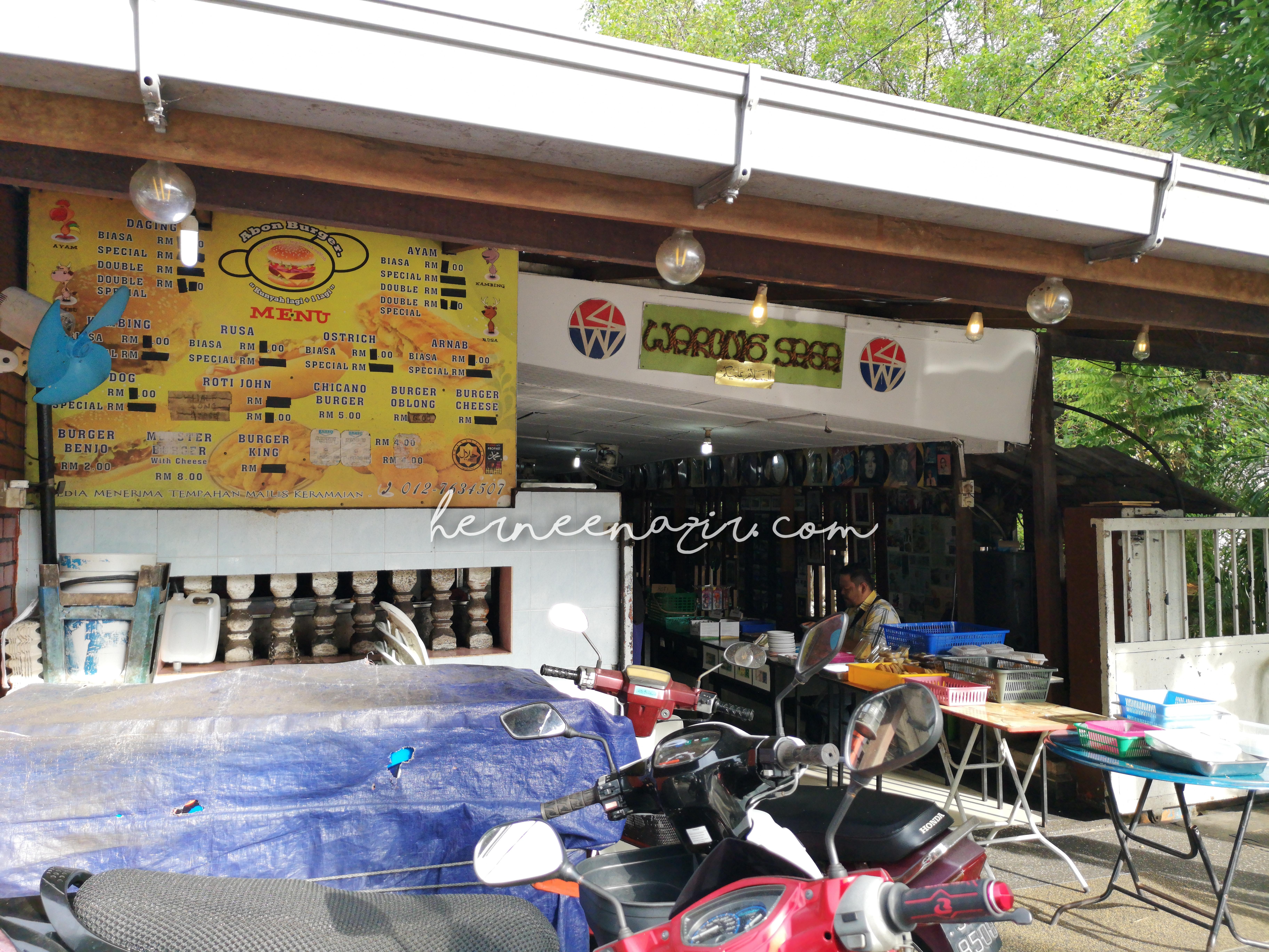Breakfast di Warung Saga
