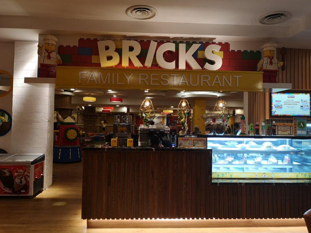 Berbuka Puasa di Brick Family Restaurant Legoland Hotel